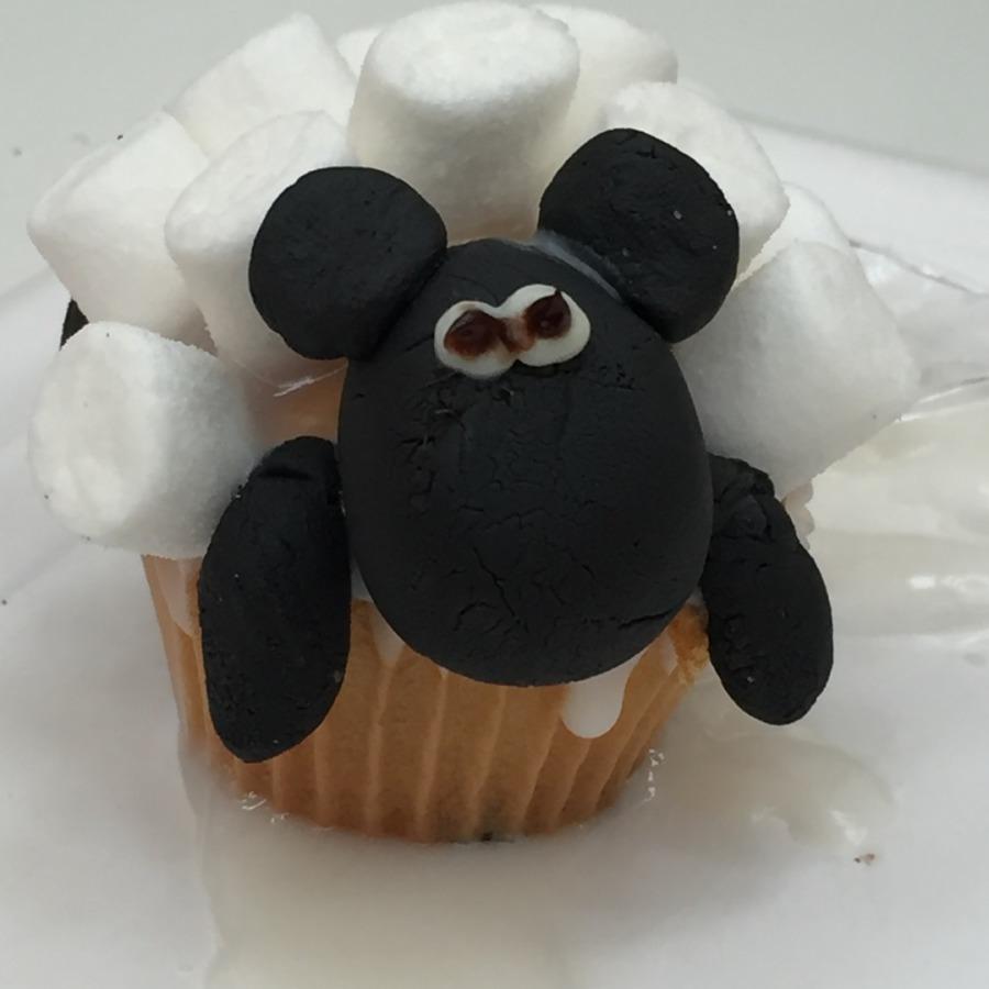 Selbstgemachter Schaf-Cupcake